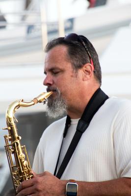 Carol LoRicco: 2015/03/04 Jazz Trolley &emdash; Bob Miner